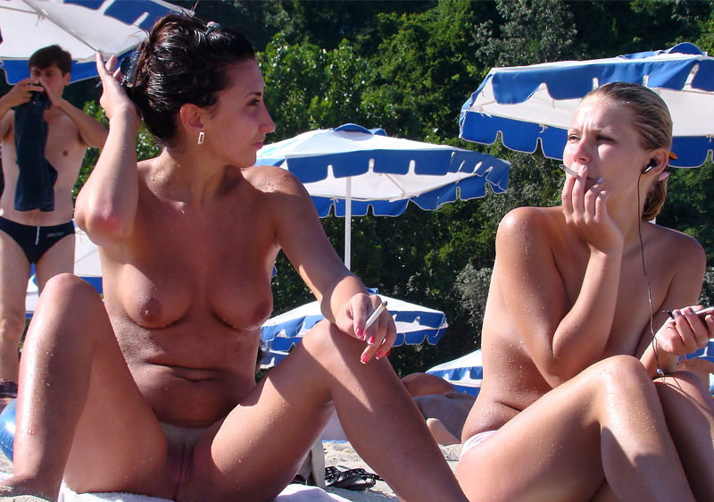 Two hot ladies show us their treasures