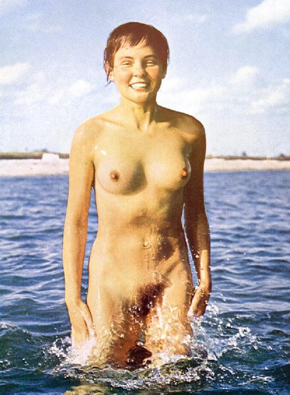 Vintage nude girl and her wet bushes