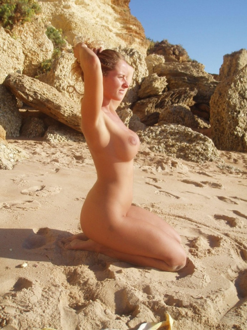 Nude beautiful admiring the landscape