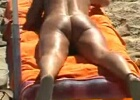 Naked hot milf expose her delicious chubby butt at beach