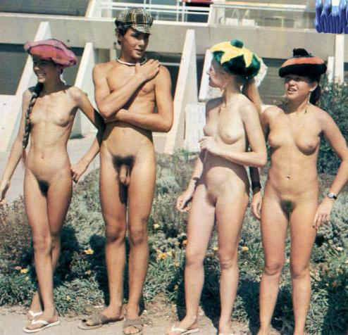 Cute teenagers on old retro pictures naked in the summer college camp