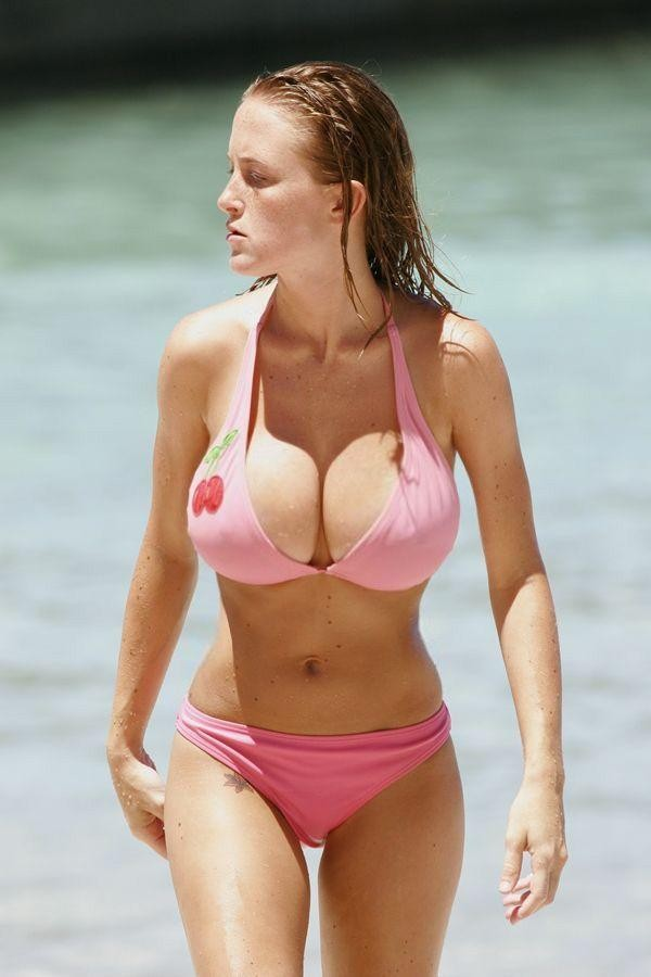 Big boobs and gorgeous body in a pink bikini suit is wonderfull spring joy