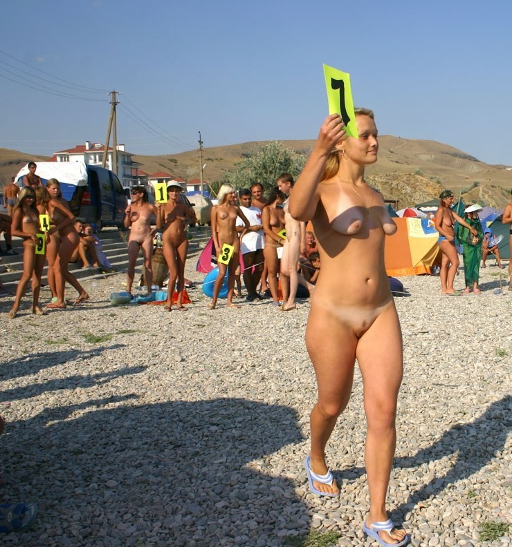 Naked chick joins naughty beauty pageant