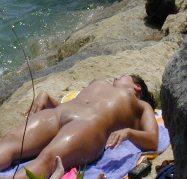Latina babe is all oily and shaved